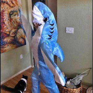 Adult men or women shark costume